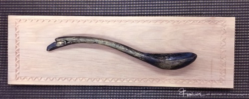 Raven Spoon on alder plaque, f.Champagne